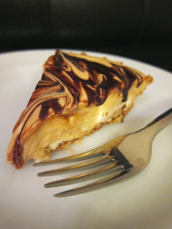 th peanut butter i c i ng peanut butter cheesecake w i th peanut ...