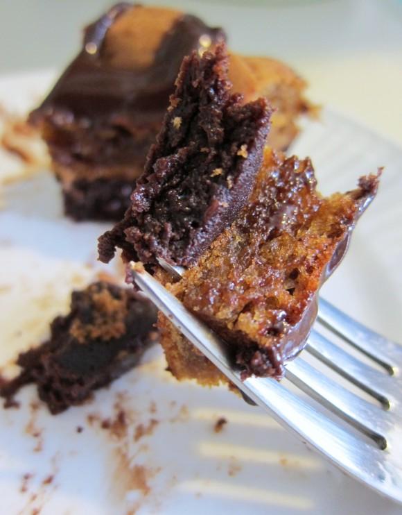 Flourless Chocolate & Peanut Butter Cake with Warm Chocolate Glaze ...